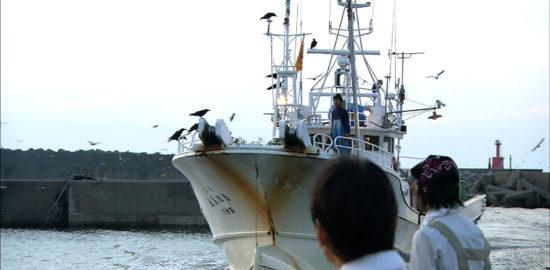 #26漁を終えて帰港する船